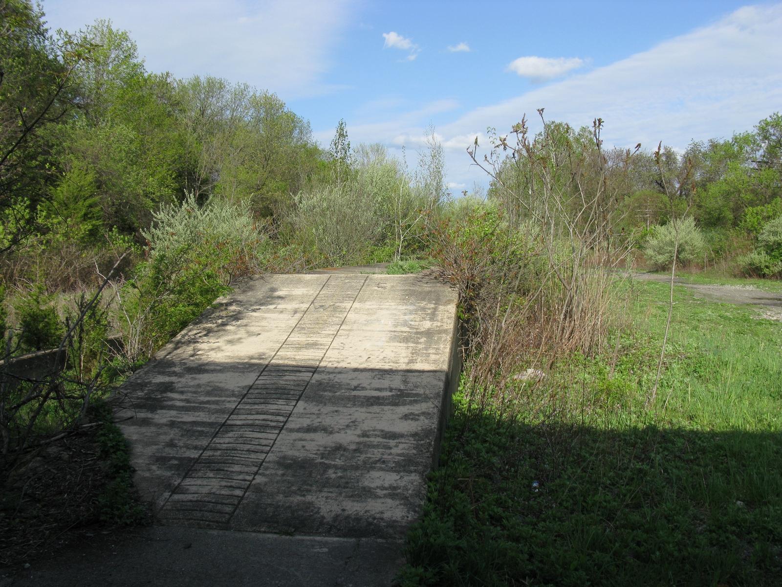 Greendell-Platform.JPG