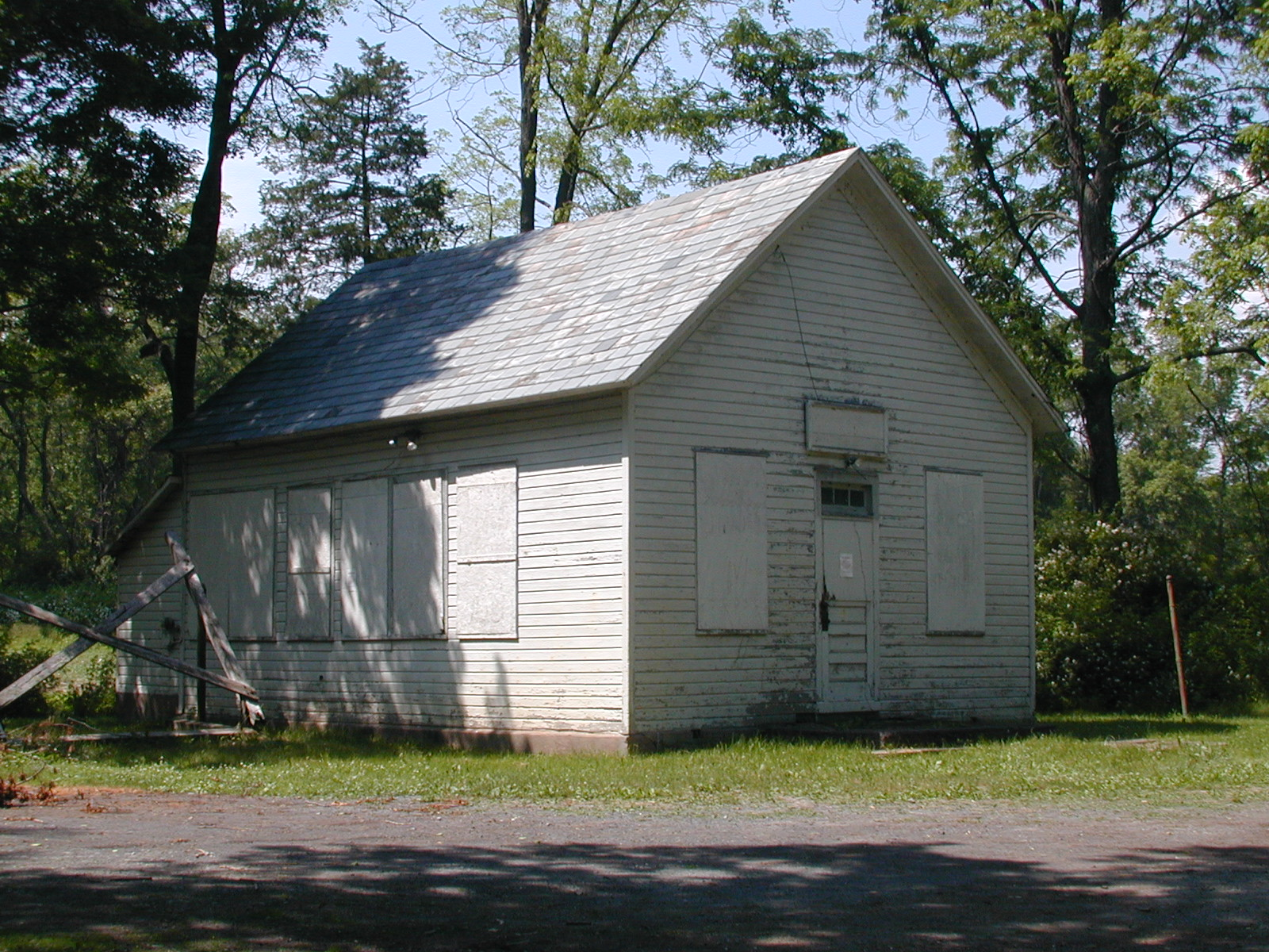 Calno schoolhouse, front