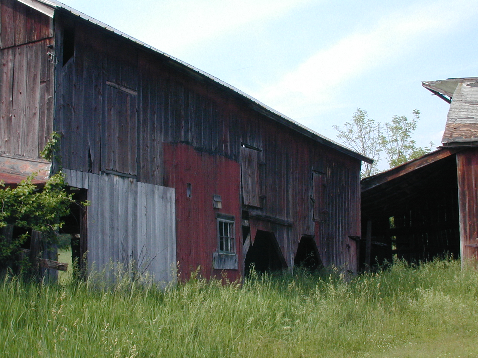 Third unknown house, barns