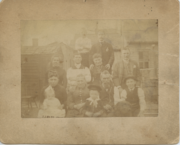 Group photo on Marion Street, 1887