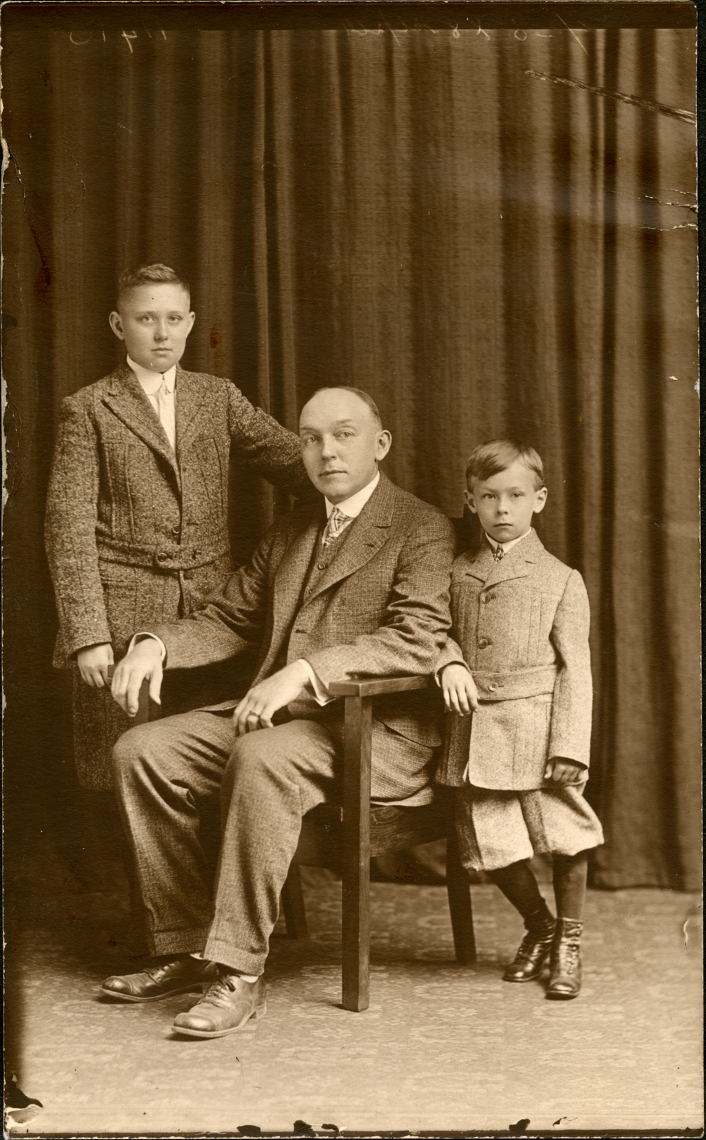 edward-r-betz-sons-unknown_large
