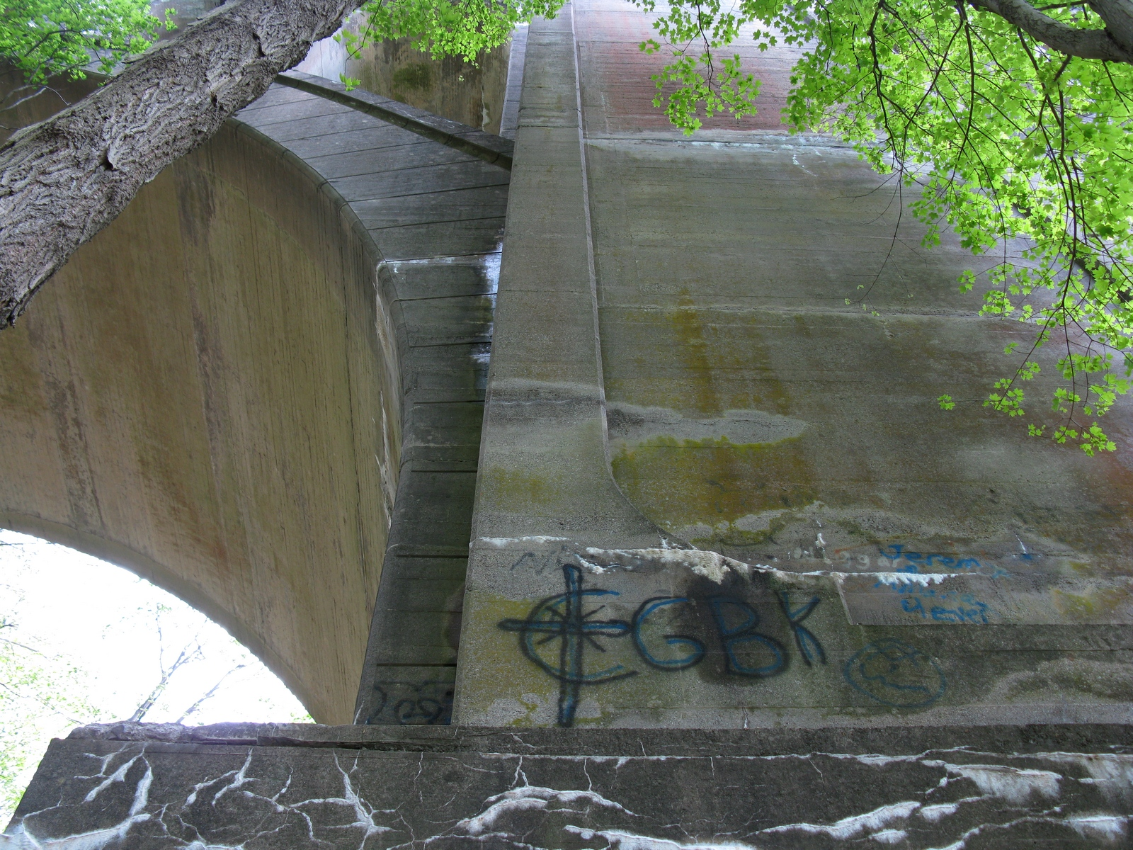 A pillar of the Paulinskill Viaduct on the west bank