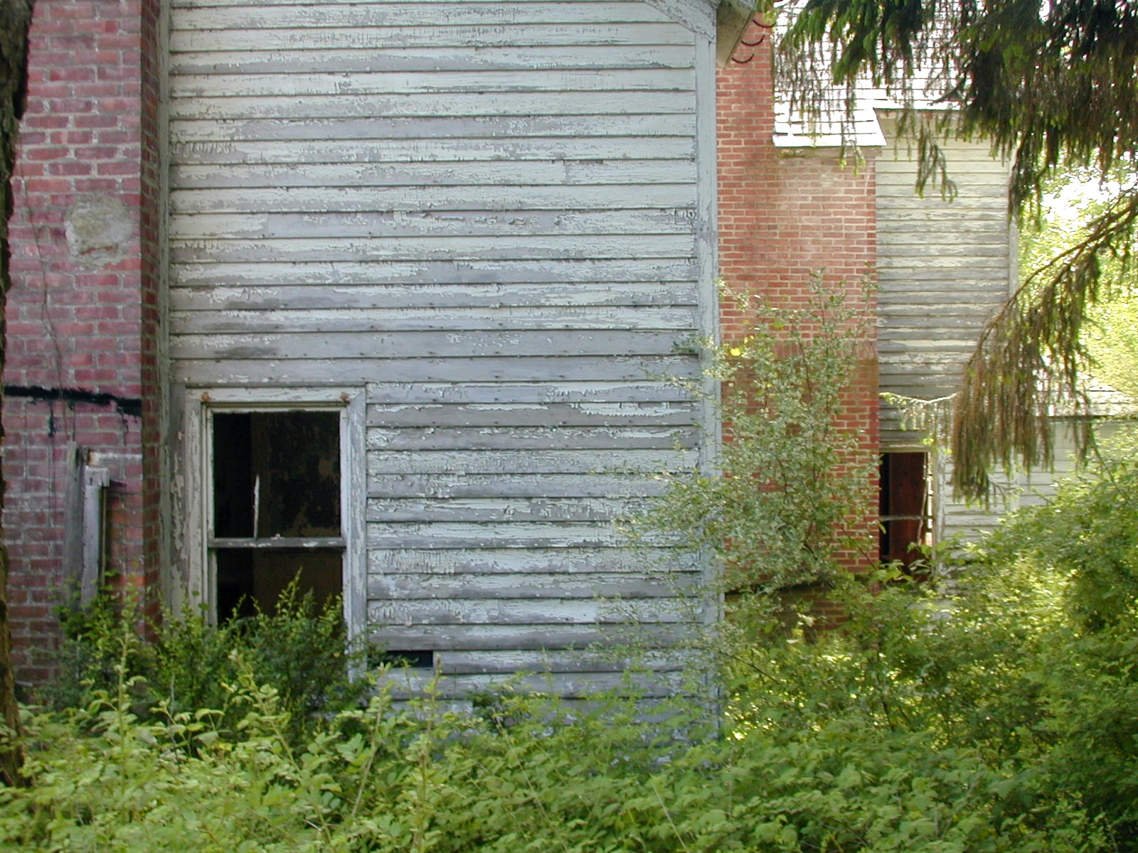 Right rear view of the Depue farmhouse